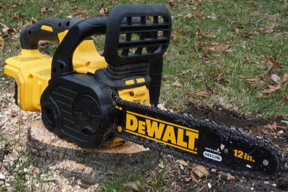 Review dewalt 20v max brushless chainsaw and how i was wrong about it dewalt 20v max cordless chainsaw in the wild keyboard keysfo Choice Image