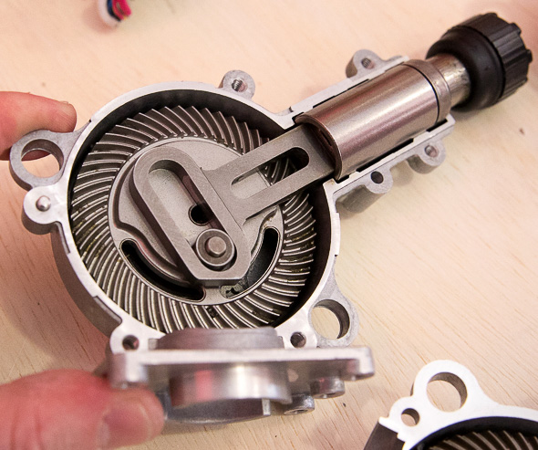 Milwaukee M18 Fuel Hackzall Gearing