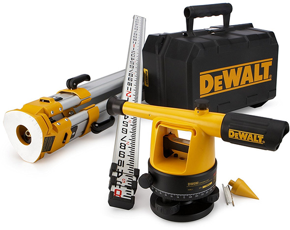 Dewalt Builders Level and Tripod Package
