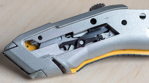 Dewalt Utility Knife Blade Change Internals Closeup