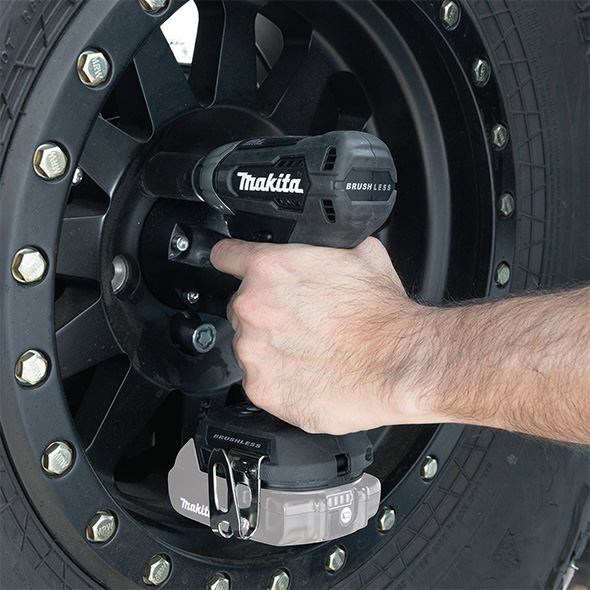 Makita 18V Sub-Compact Impact Wrench Used on Lug Nuts