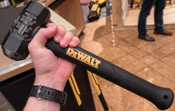 Dewalt Short Carbon Fiber Sledge Hammer