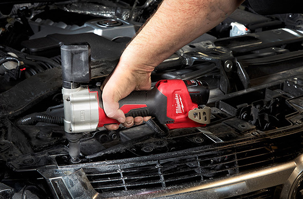 Milwaukee M12 Rivet Tool 2550-22 Automotive Application