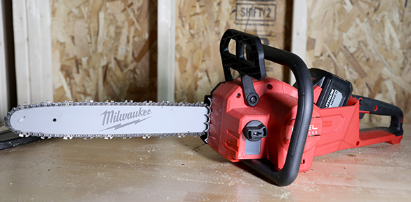 Review: Dewalt 20V Max Brushless Chainsaw, and How I Was Wrong About it