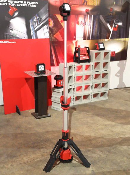 Milwaukee M12 Rocket Dual Power Tower Light