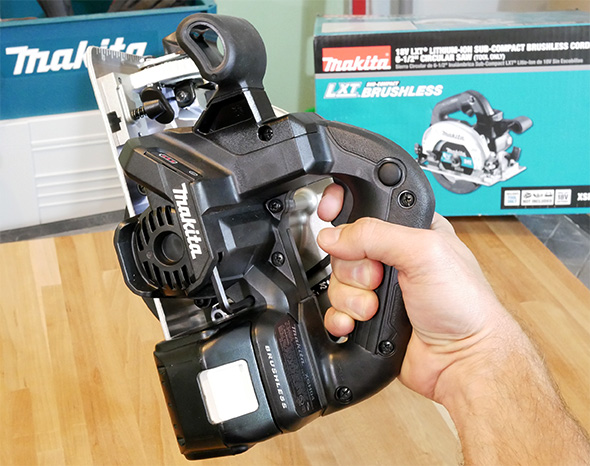 Makita XSH04ZB 18V Sub-Compact Brushless Circular Saw Angled View