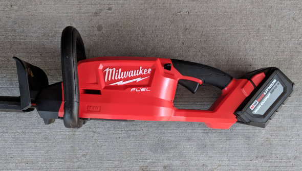 Milwaukee M18 Fuel Hedge Trimmer with 12Ah battery