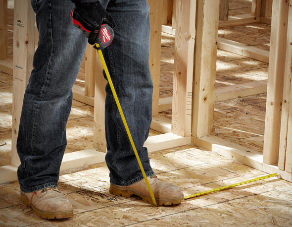 Milwaukee Stud Tape Measure being stepped on