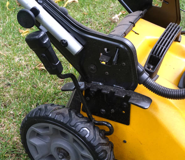 Dewalt 2x20V mower height adjustment lever