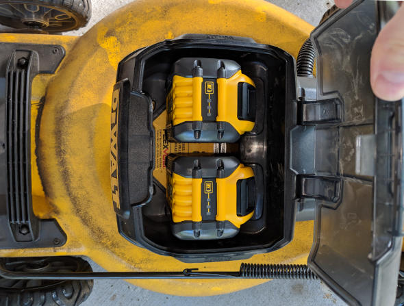 Dewalt 2x20V mower with 9Ah Flexvolt batteries