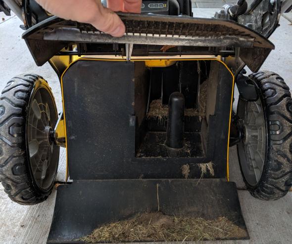 Dewalt 2x20V mower mulching plug