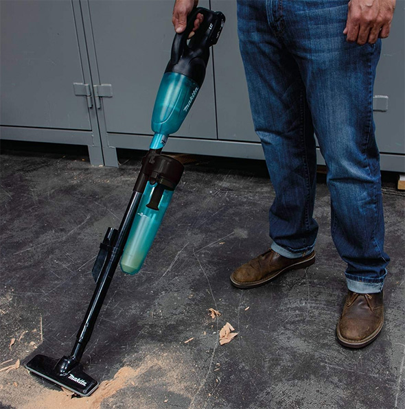 Makita Dust Vac Cyclone Attached to Vacuum