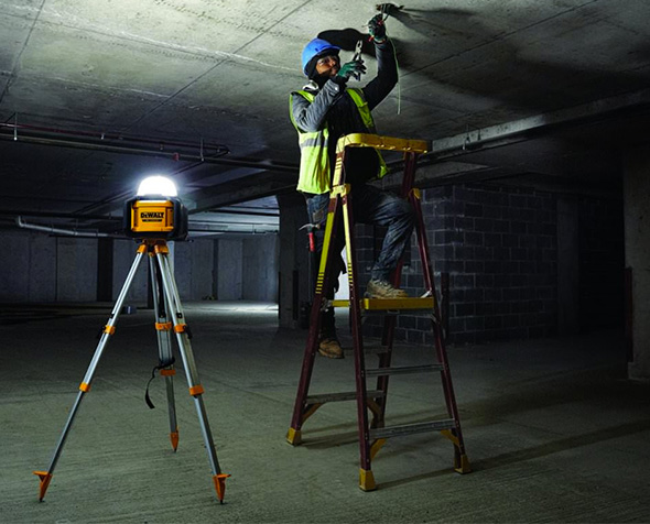 Dewalt DCL074 Cordless LED Area Light on Optional Tripod