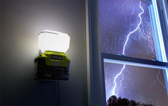 Ryobi P784K Evercharge LED Worklight Power Loss Activation