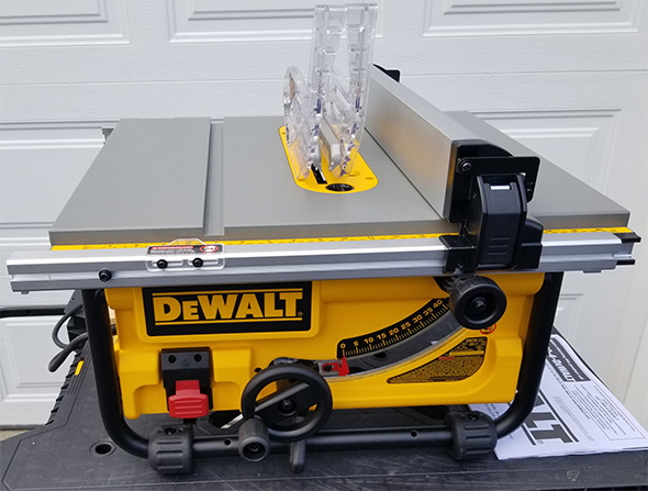 Dewalt DW745 Portable Table Saw