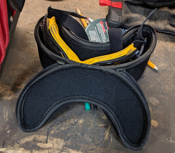 Caseling hard case for Dewalt goggles on workbench