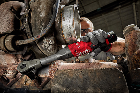 Milwaukee M12 Fuel Extended Reach Ratchet Application Example in Engine Bay