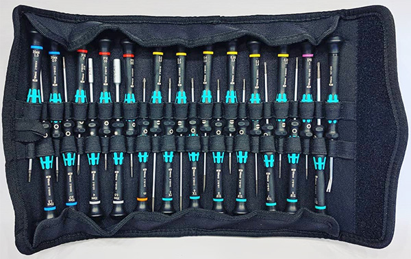 Large Wera Precision Screwdriver Set in Fold-up Case