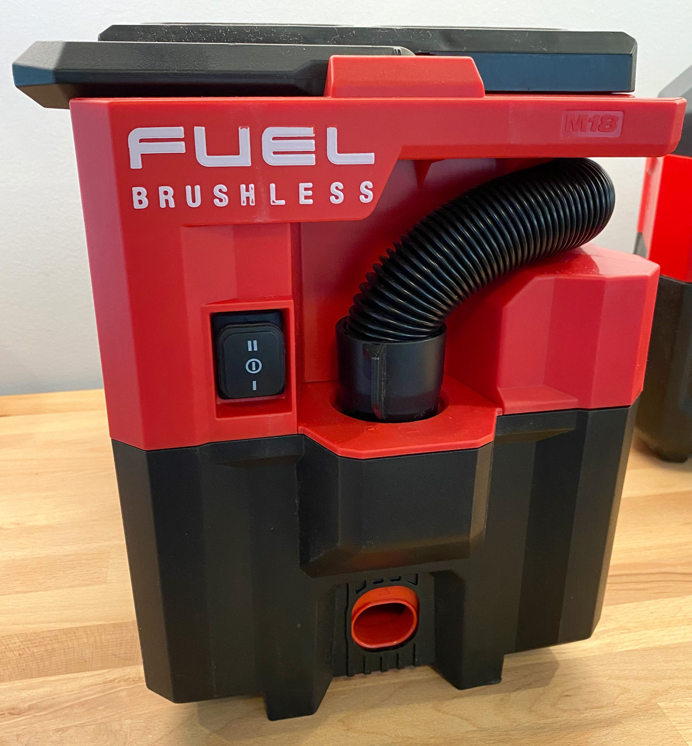 Milwaukee M18 Fuel Packout Vacuum Front Controls