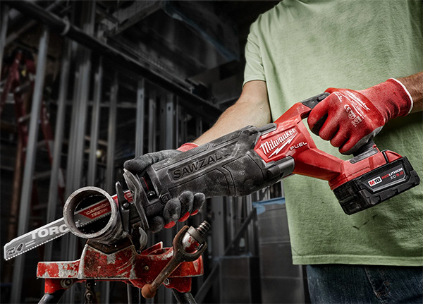Milwaukee M18 Fuel Sawzall Reciprocating Saw - Pipeline Episode 3 New Tools 2020 Preview