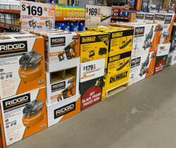 Home Depot PRO Black Friday 2020 Store Display