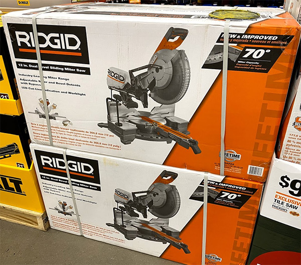 Ridgid R4222 Sliding Miter Saw Display